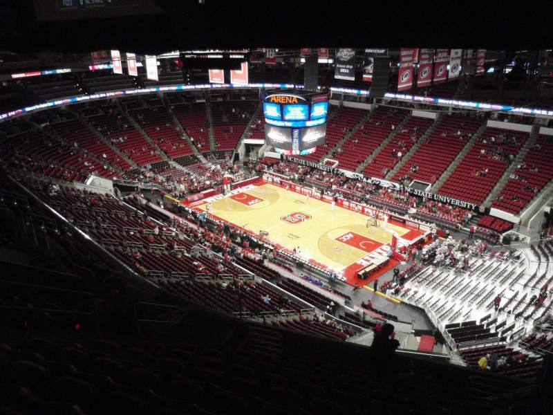 Vista sentada para PNC Arena Secção 320 Fila L Lugar 6