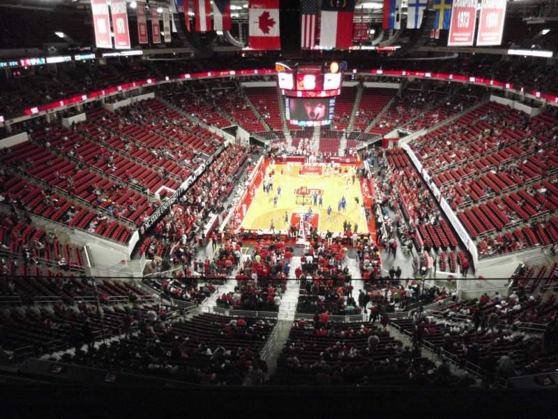 Vista sentada para PNC Arena Secção 333 Fila D Lugar 8