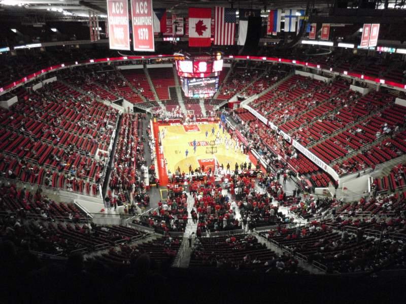 Vista sentada para PNC Arena Secção 334 Fila F Lugar 5