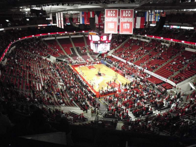 Vista sentada para PNC Arena Secção 335 Fila H Lugar 6