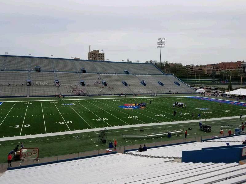 Vista sentada para David Booth Kansas Memorial Stadium Secção 8 Fila 35 Lugar 25