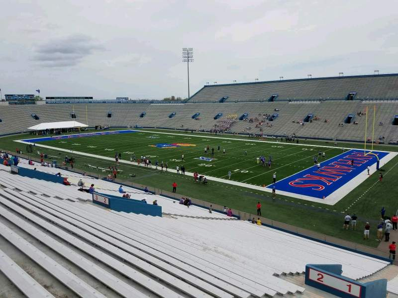 Vista sentada para David Booth Kansas Memorial Stadium Secção 1 Fila 40 Lugar 5