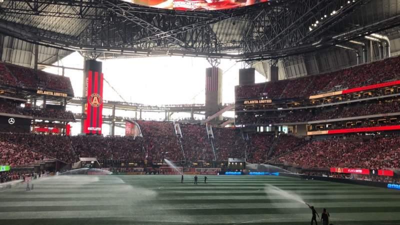Vista sentada para Mercedes-Benz Stadium Secção 120 Fila 11 Lugar 16