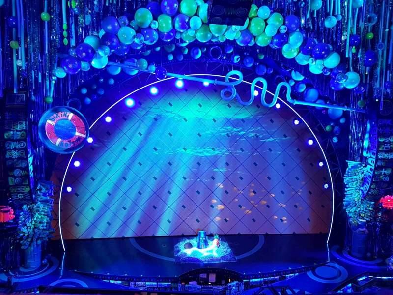 Vista sentada para Palace Theatre (Broadway) Secção Mezzanine Fila A Lugar 104