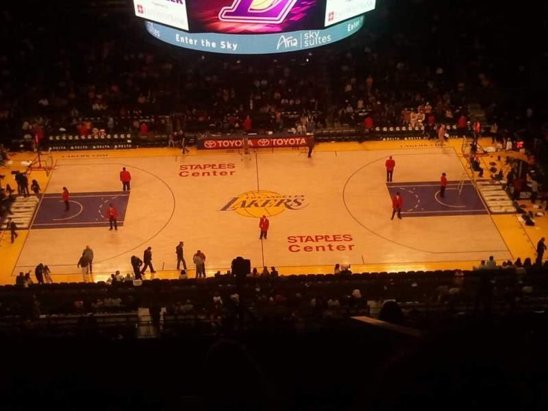 Vista sentada para Staples Center Secção 318 Fila 10 Lugar 10