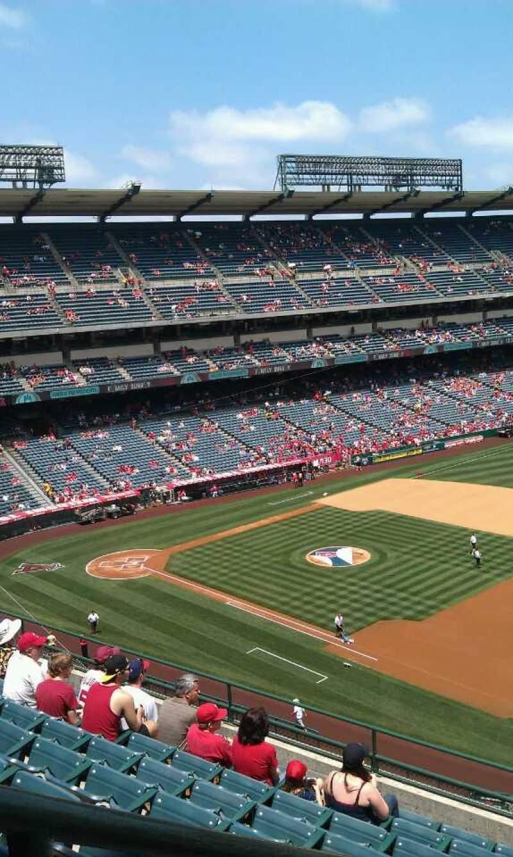 Vista sentada para Angel Stadium Secção 428 Fila j Lugar 1