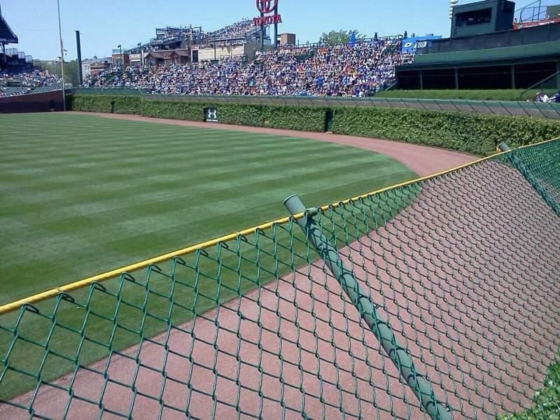 Vista sentada para Wrigley Field Secção Bleachers Fila 1 Lugar 4