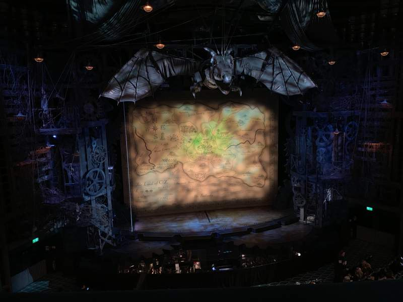 Vista sentada para Apollo Victoria Theatre Secção Circle Fila B Lugar 28