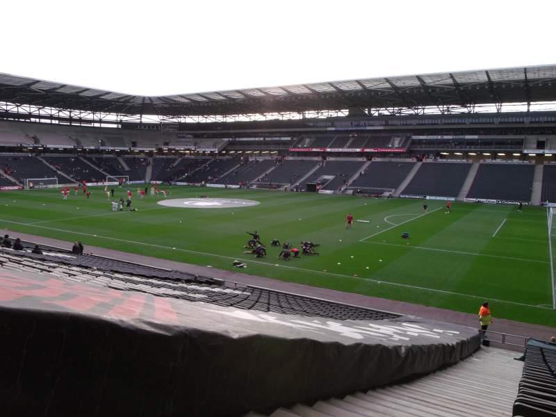 Vista sentada para Stadium MK Secção 38 Fila CC Lugar 1100