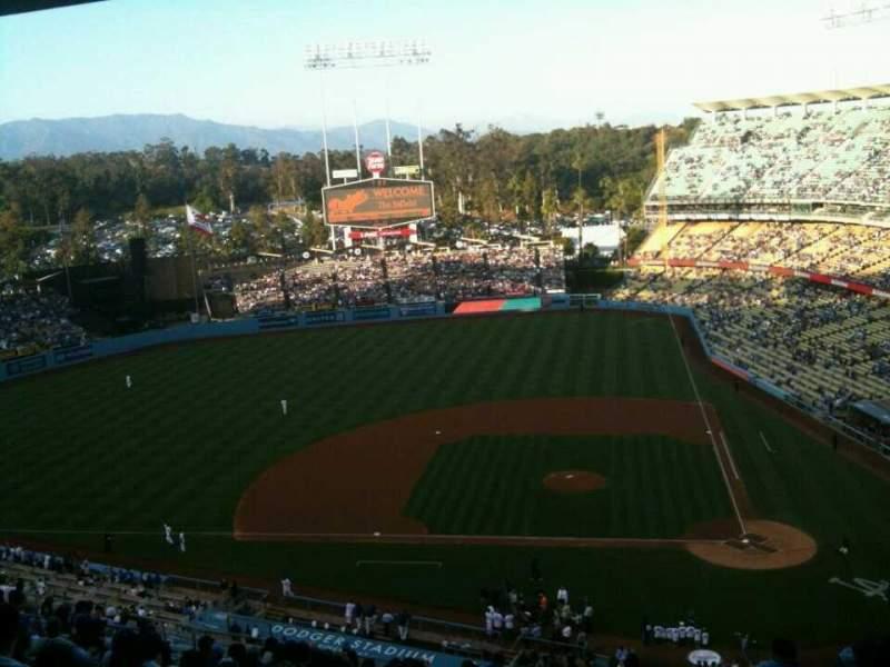 Vista sentada para Dodger Stadium Secção 11RS Fila V Lugar 2