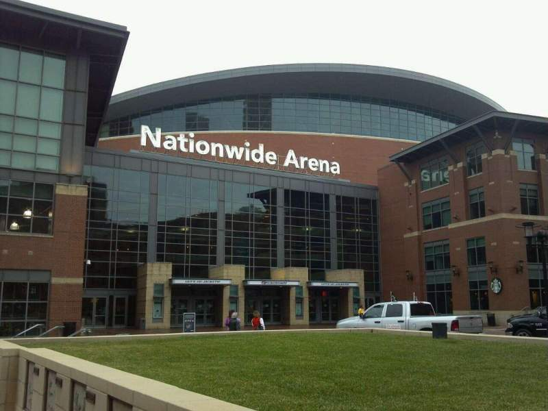 Vista sentada para Nationwide Arena Secção Front St. Entrance