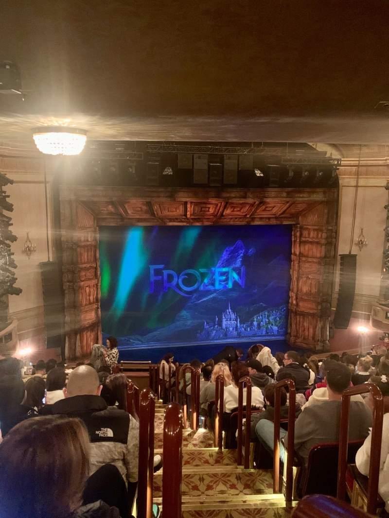 Vista sentada para St. James Theatre Secção Mezzanine L Fila P Lugar 1