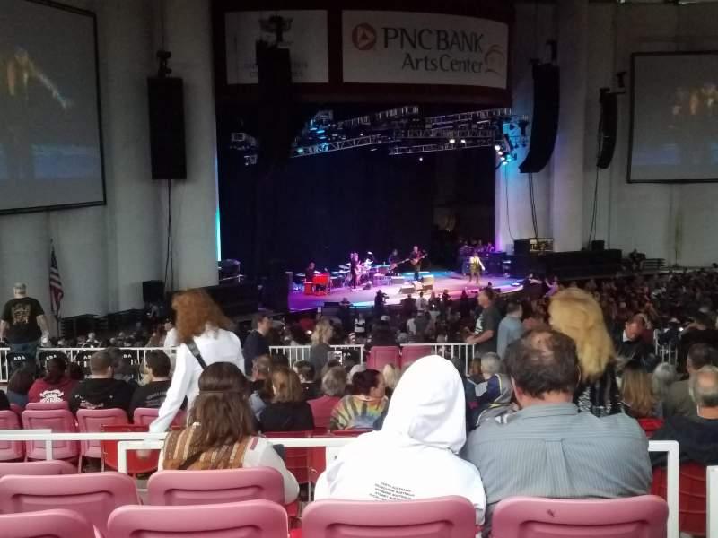 Vista sentada para PNC Bank Arts Center Secção 405 Fila J Lugar 7
