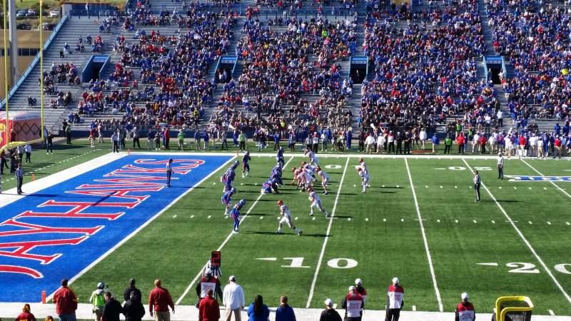 Vista sentada para David Booth Kansas Memorial Stadium Secção 23 Fila 28 Lugar 28