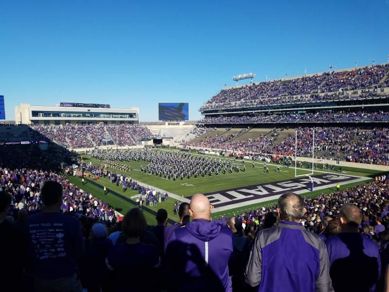 Vista sentada para Bill Snyder Family Stadium Secção 11 Fila 46 Lugar 1