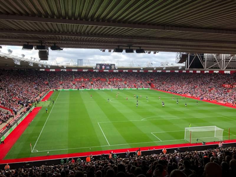 Vista sentada para St Mary's Stadium