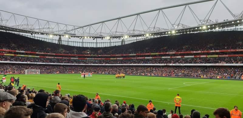 Vista sentada para Emirates Stadium Secção 29 Fila 15 Lugar 918