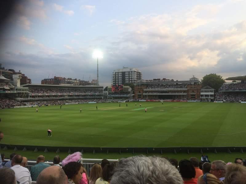 Vista sentada para Lord's Cricket Ground Secção Crompton Upper Stand Block 17 Fila J Lugar 87