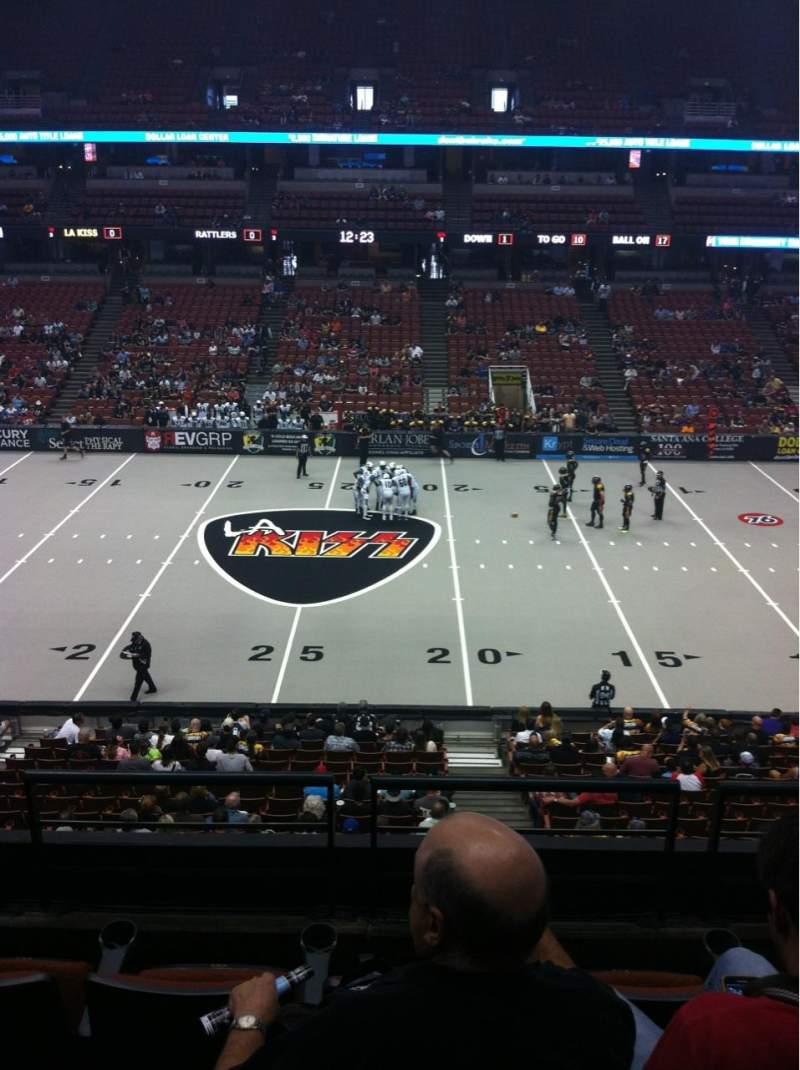 Vista sentada para Honda Center Secção 320 Fila D Lugar 4