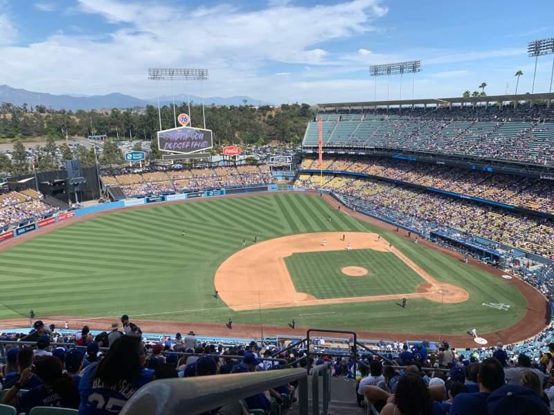 Vista sentada para Dodger Stadium Secção 17RS Fila JJ Lugar 23
