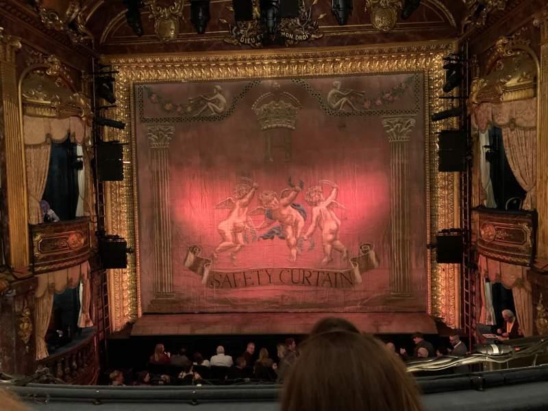 Vista sentada para Theatre Royal Haymarket Secção Grand Circle Fila B Lugar 13