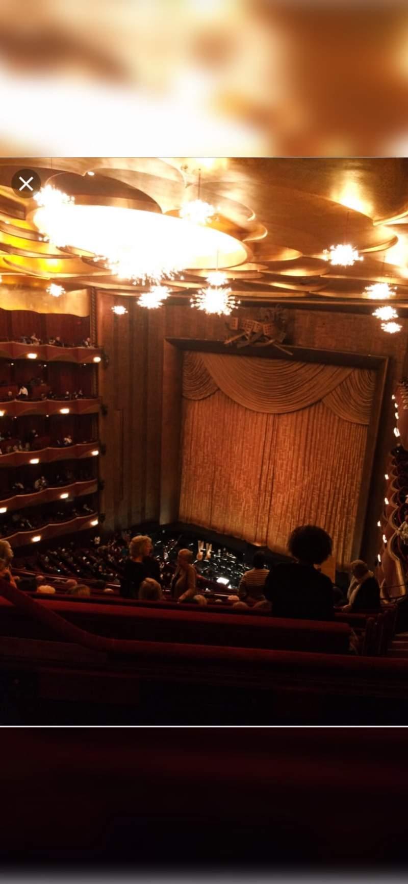 Vista sentada para Metropolitan Opera House - Lincoln Center Secção Balcony Fila L Lugar 5