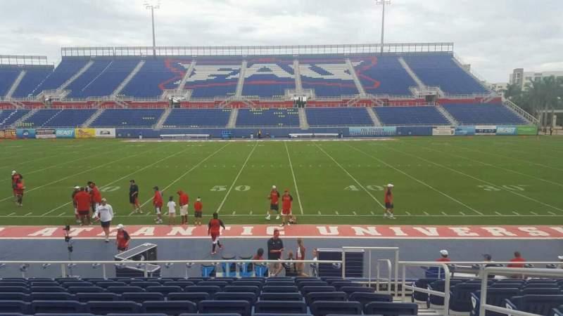 Vista sentada para FAU Stadium Secção 105 Fila L Lugar 3