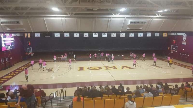 Vista sentada para Hynes Athletic Center Secção 13 Fila V Lugar 12