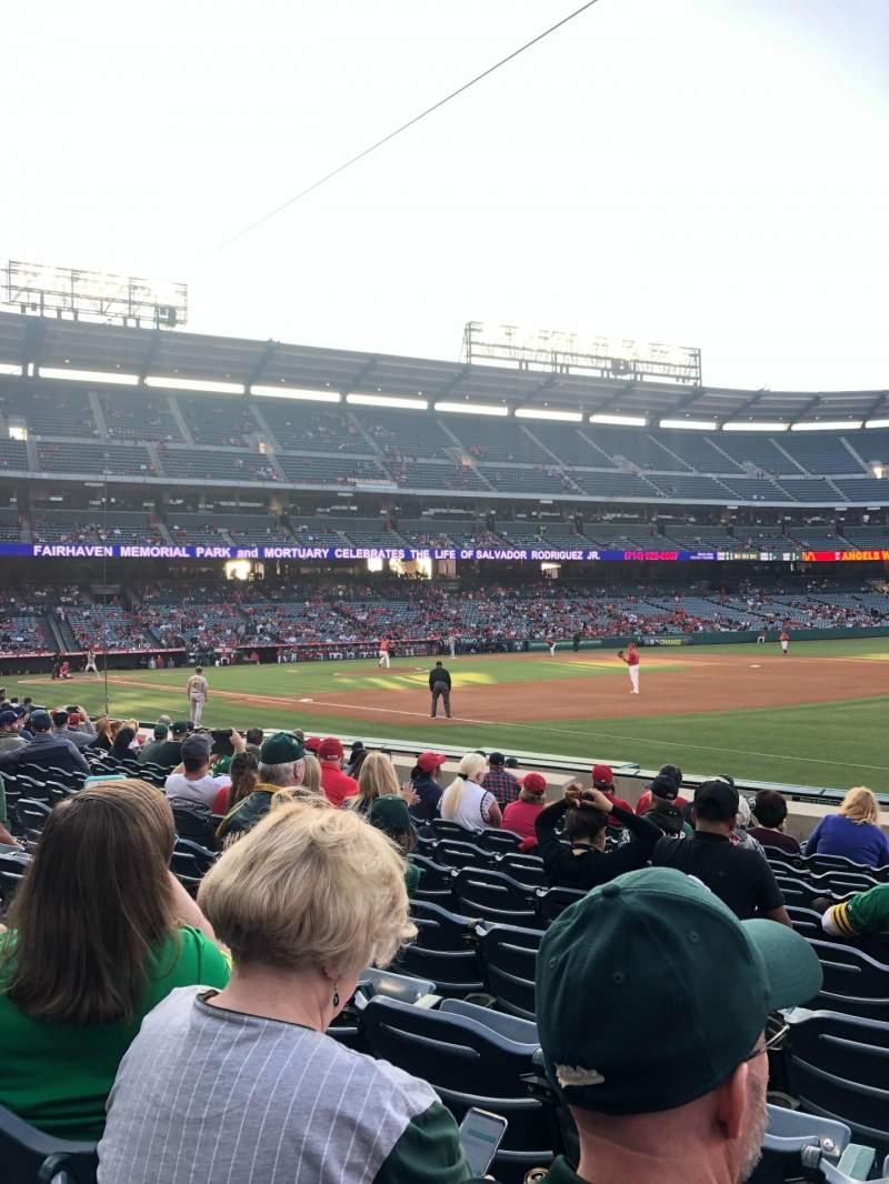 Vista sentada para Angel Stadium Secção 128 Fila K Lugar 12