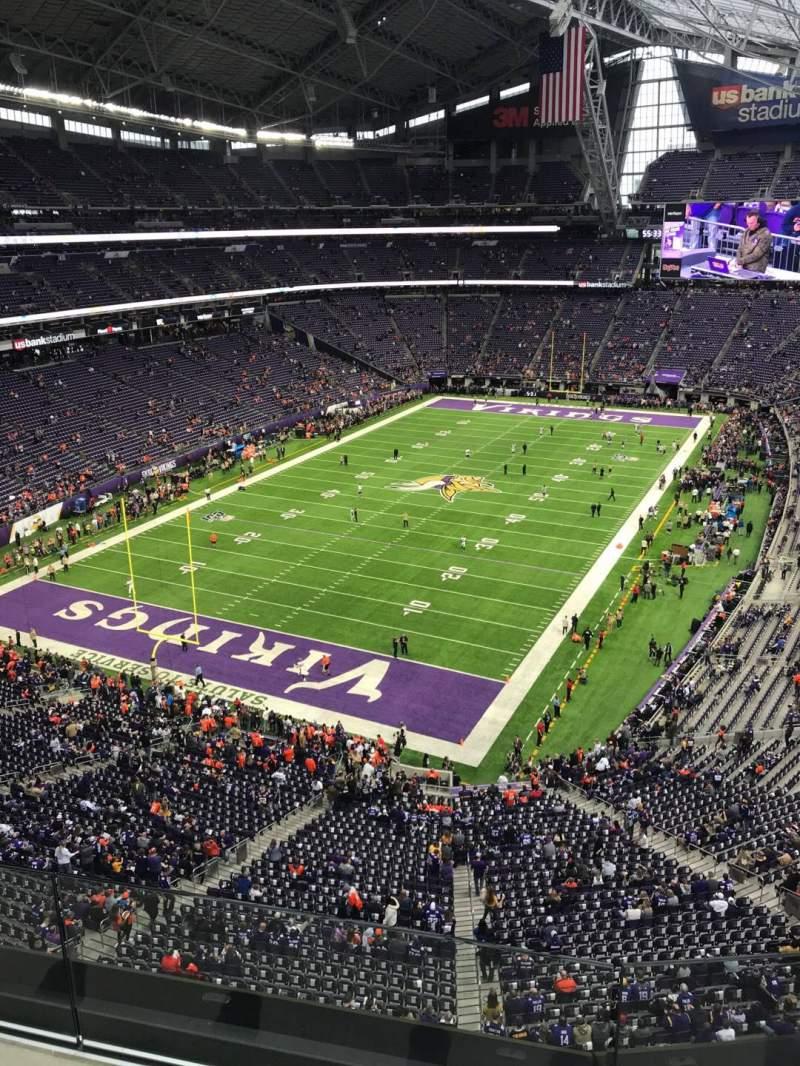 Vista sentada para U.S. Bank Stadium Secção 351 Fila B Lugar 6