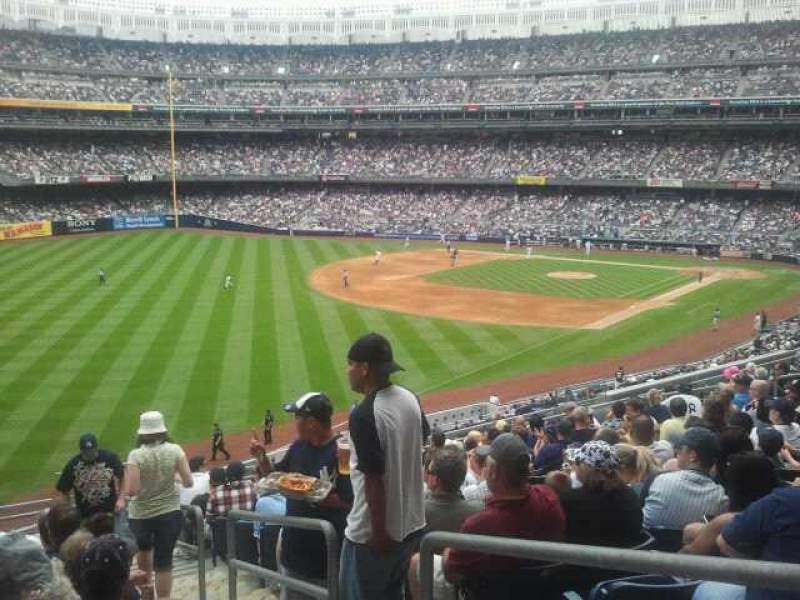 Vista sentada para Yankee Stadium Secção 231 Fila 13 Lugar 2
