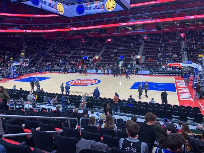 Vista sentada para Little Caesars Arena Secção 107 Fila 12 Lugar 6