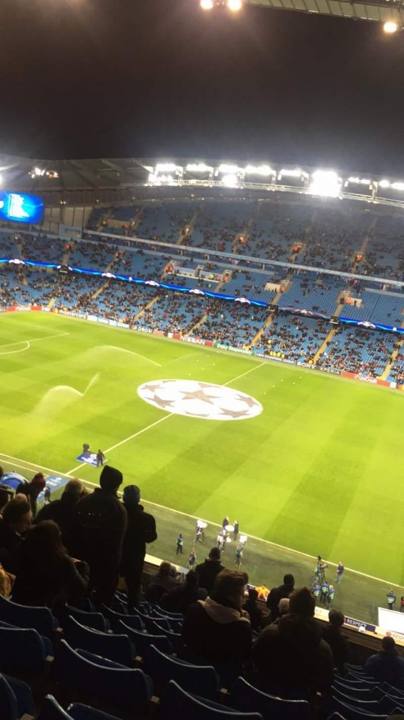 Vista sentada para Etihad Stadium (Manchester) Secção 324 Fila N Lugar 686