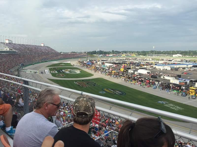 Vista sentada para Kentucky Speedway Secção KYTI Fila 2 Lugar 25