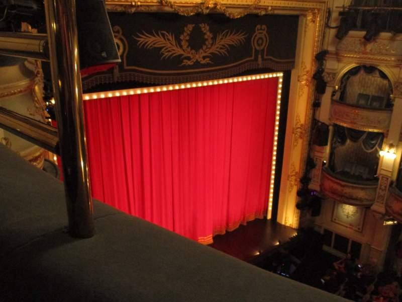 Vista sentada para Wyndham's Theatre Secção Grand Circle Fila A Lugar 29