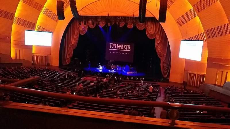 Vista sentada para Radio City Music Hall Secção 1st Mezzanine 2 Fila A