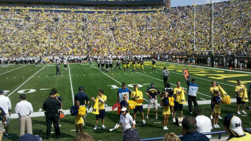 Vista sentada para Michigan Stadium Secção 21 Fila 3 Lugar 22