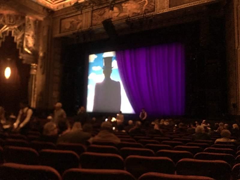 Vista sentada para Hollywood Pantages Theatre Secção Orchestra RC Fila T Lugar 211