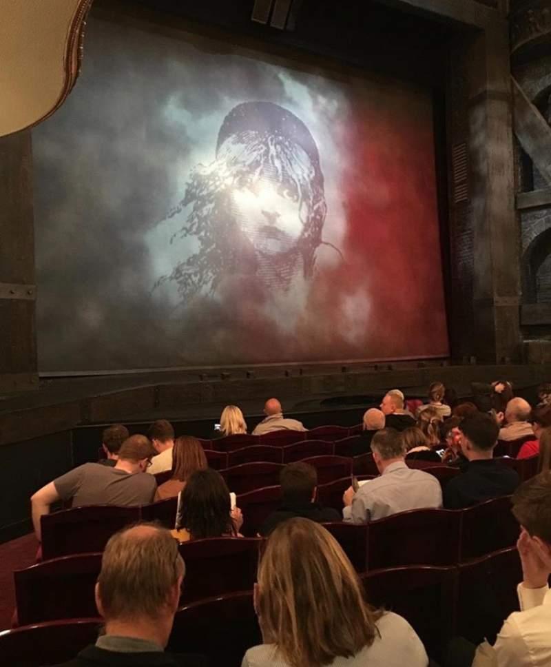 Vista sentada para Sondheim Theatre (West End) Secção Stalls Fila H