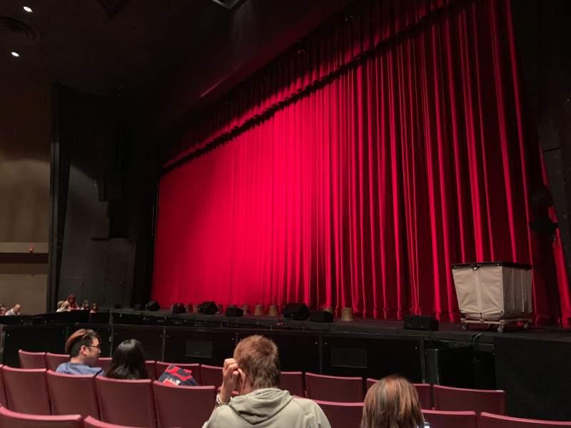 Vista sentada para Redondo Beach Performing Arts Center Secção Front Orchestra Fila E Lugar 2