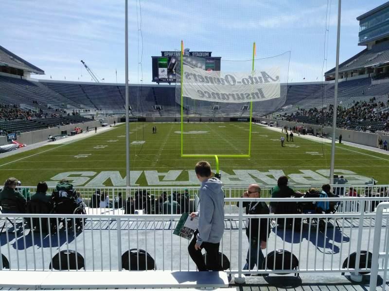 Vista sentada para Spartan Stadium Secção 1 Fila 24 Lugar 42