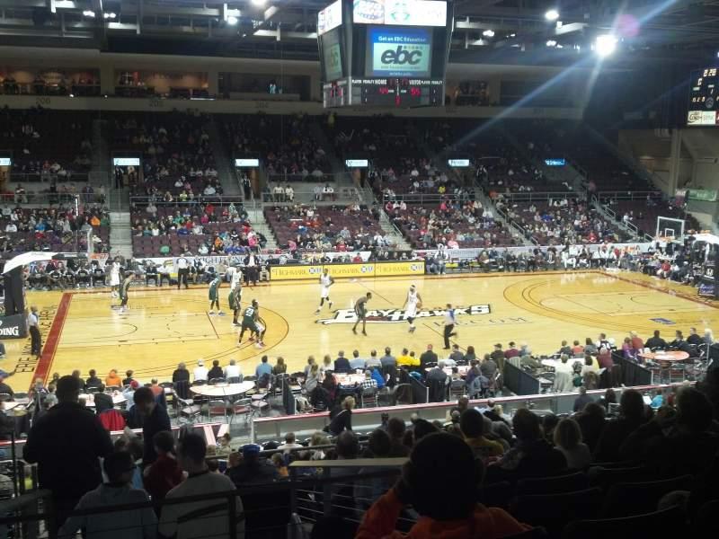Vista sentada para Erie Insurance Arena Secção 218 Fila W Lugar 13