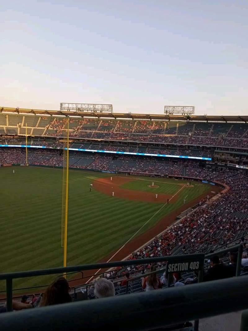 Vista sentada para Angel Stadium Secção 504 Fila A Lugar 10