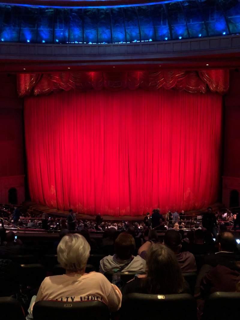 Vista sentada para O Theatre Secção 203 Fila X Lugar 19