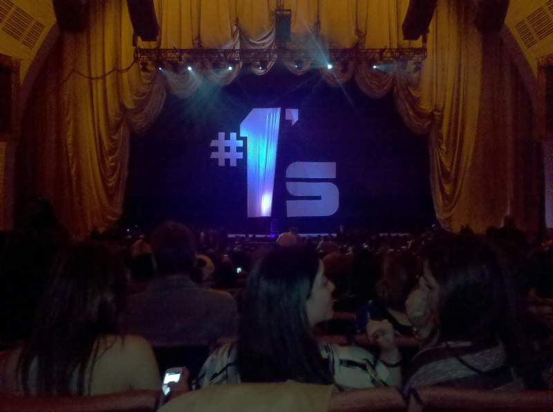 Vista sentada para Radio City Music Hall Secção Orchestra 4 Fila C Lugar 408