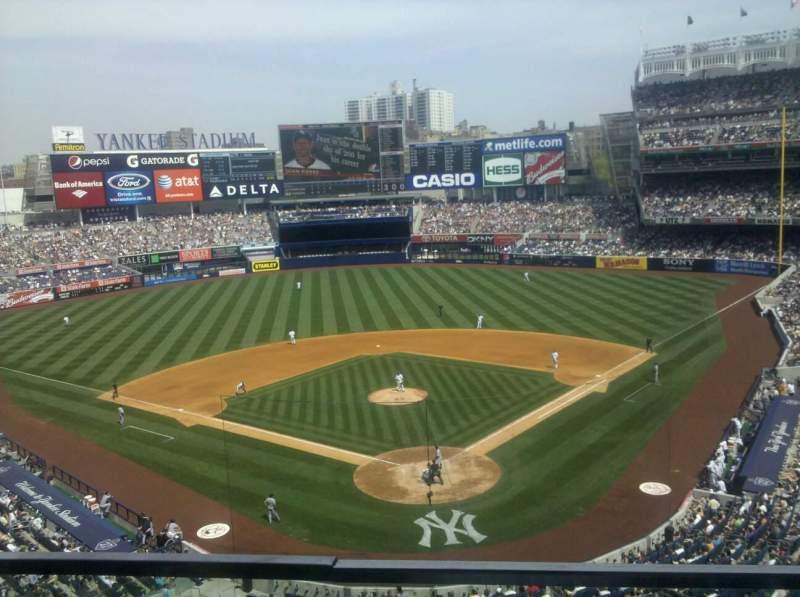 Vista sentada para Yankee Stadium Secção 320B Fila 3 Lugar 16