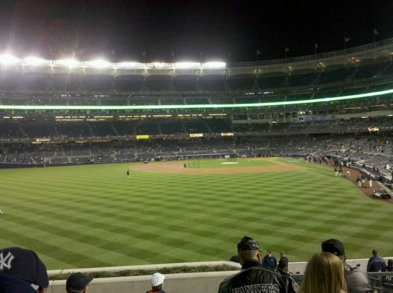 Vista sentada para Yankee Stadium Secção 235 Fila 10 Lugar 10