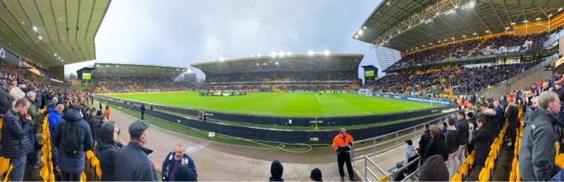 Vista sentada para Molineux Stadium Secção JL3