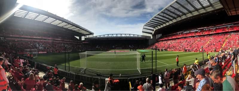 Vista sentada para Anfield Secção 124