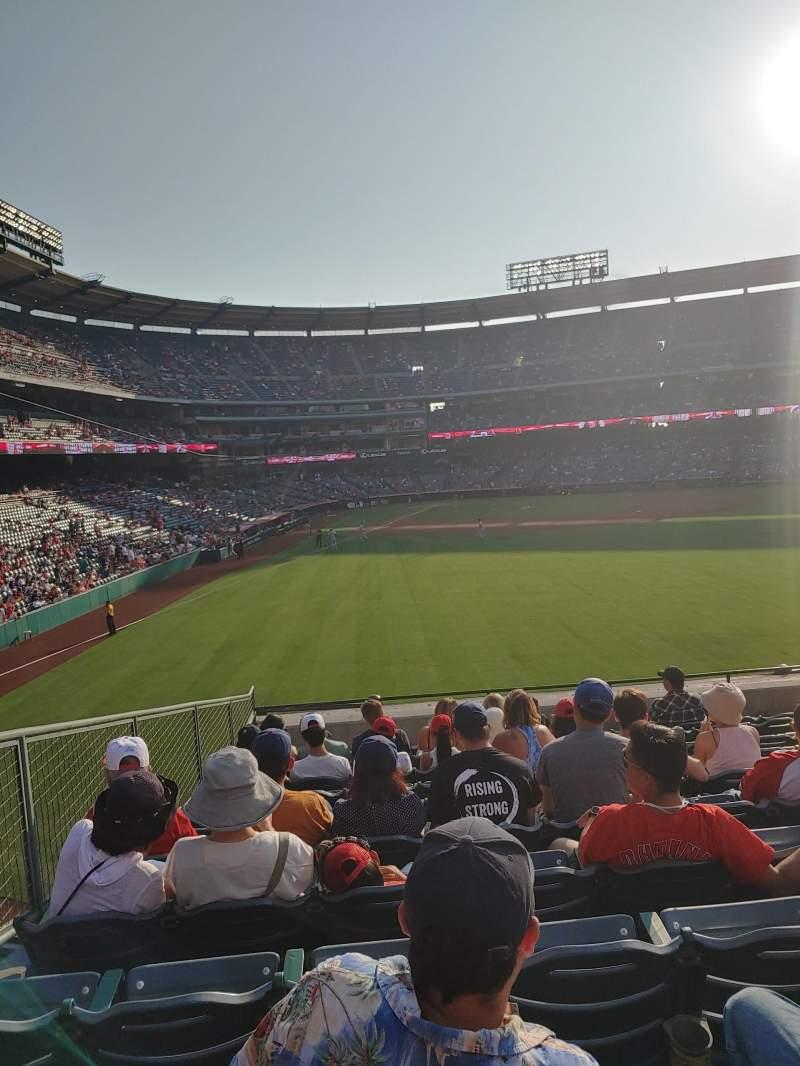 Vista sentada para Angel Stadium Secção 236 Fila L Lugar 5